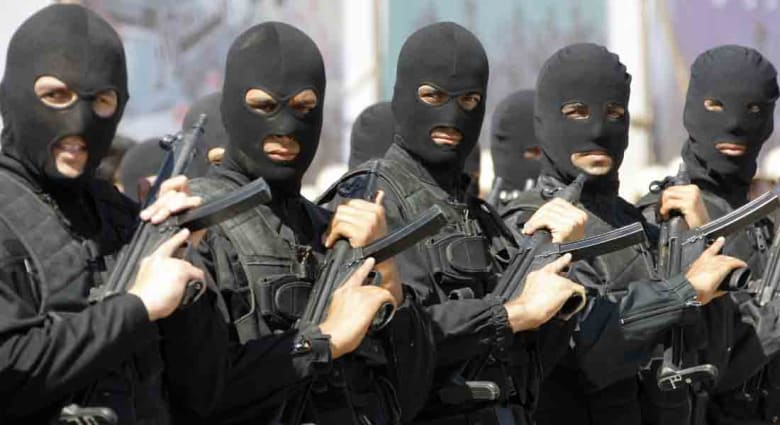 """إيران: تفكيك خلية إرهابية يدعمها """"أذناب الاستكبار"""" بالمنطقة"""