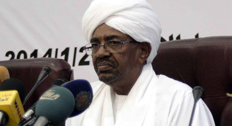 """صحف: شائعات """"مضحكة"""" في السودان والقاعدة تصل إلى الجولان"""