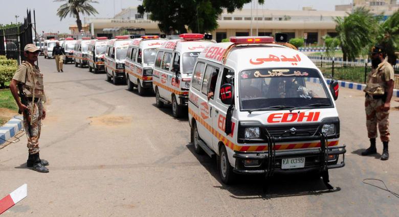 عمال محتجزون في مستودع تبريد بمطار كراتشي منذ هجوم الأحد