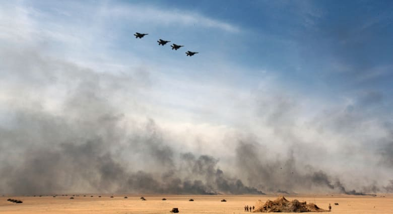 شاهد فيديو التنسيق بين الجيش وسلاح الجو العراقي لصد هجوم داعش على مصفاة بيجي
