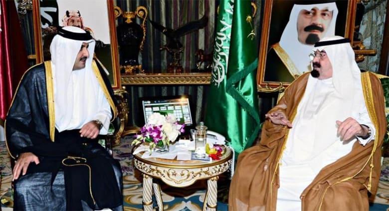أمير قطر يلتقي الملك السعودي في جدة
