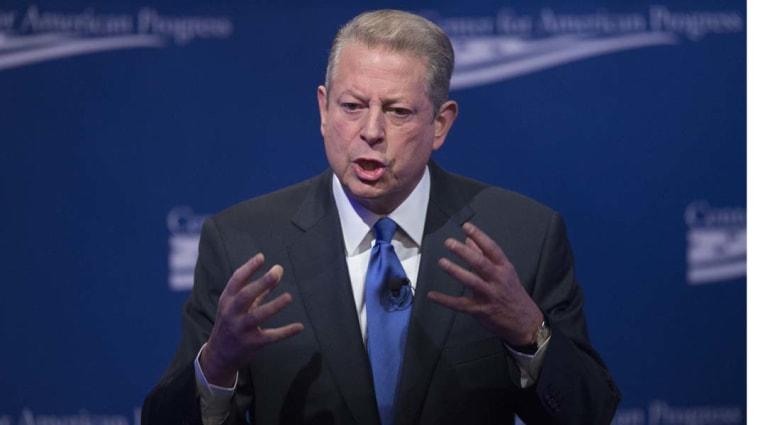 """آل غور يقاضي """"الجزيرة - أمريكا"""" لاحتجازها أموال مساهمين"""