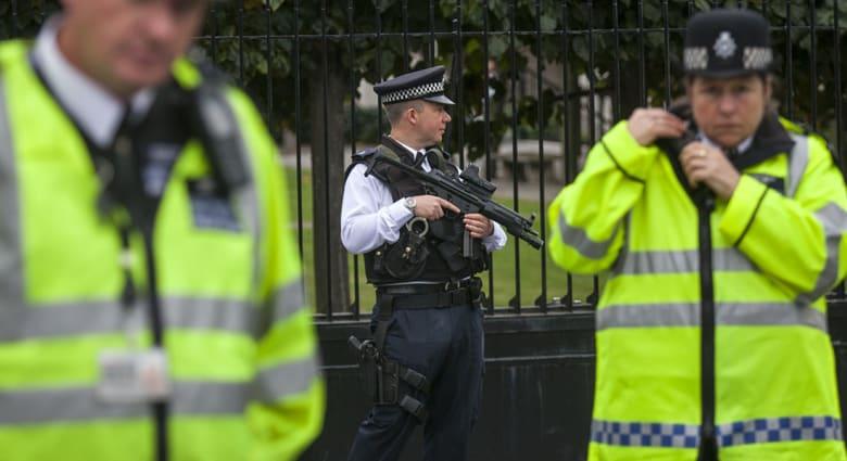بريطانيا: إلقاء القبض على مشتبه به خامس في التخطيط لعمليات إرهابية