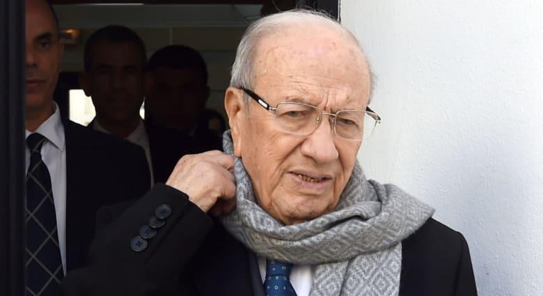 تونس.. احتجاجات وقرصنة مواقع ...تنصيب السبسي ربما الجمعة.. وأي مستقبل للمرزوقي وجمعة وبن جعفر؟