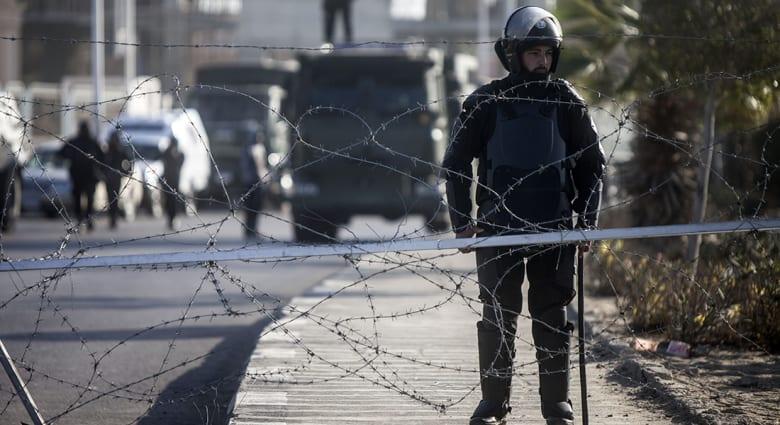 صحف: إضراب للسجناء في مصر ومحاكمة الأسيرة الشقراء بسوريا