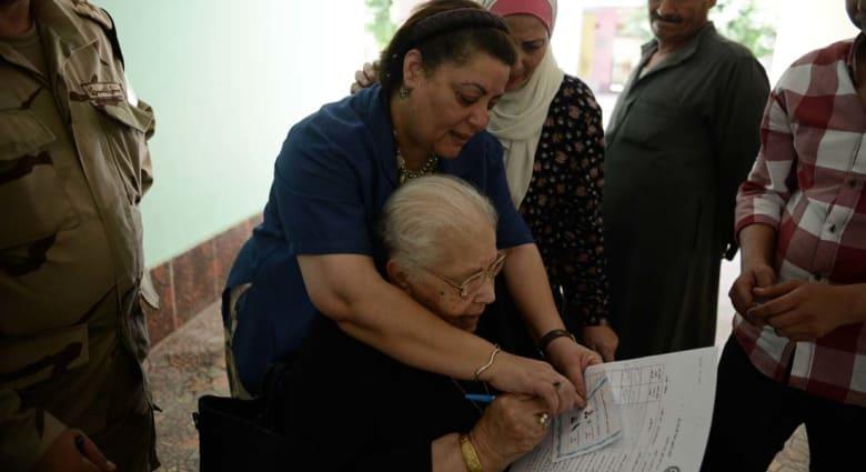 """مراقبون لـCNN بالعربية: فيديو تزوير الانتخابات للسيسي """"مفبرك"""" لهذه الأسباب"""