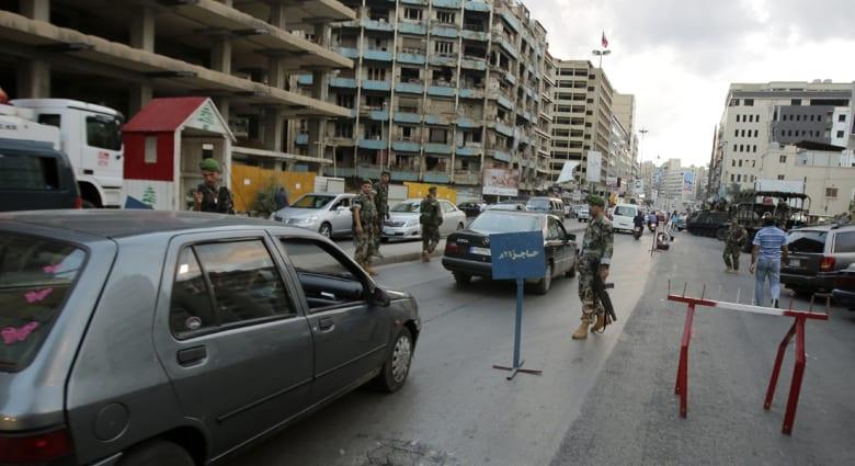 لبنان: قتيلان بتفجير انتحاري عند حاجز أمني في البقاع