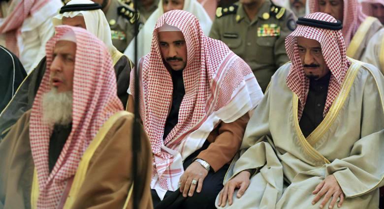 بعد أنباء عن معارضة المفتي لرسوم الأراضي.. عضو بهيئة كبار العلماء السعودية ينفي شائعات الانقسام