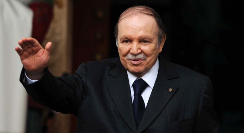 """الجزائر.. بوتفليقة يحذر من """"بلبلة"""" بالجيش بعد تحطم طائرة عسكرية"""