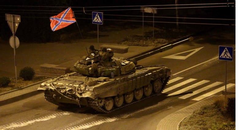 الدبابات الروسية تقاتل على جبهتين في أوكرانيا ..أوباما يعد بخطوات واجتماع طارئ للناتو