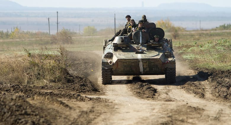 صحف العالم: الجيش الأوكراني استخدم قنابل عنقودية ضد المتظاهرين