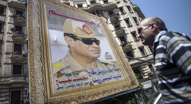 صحف: ماراثون الخلافة ودعوة جيش مصر لدخول غزة.. ليبرمان وعادل إمام ضد قطر