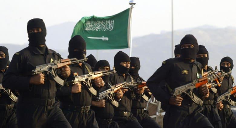 آخر تفاصيل هجوم عرعر بالسعودية: 3 قتلى من الأمن و4 إرهابيين.. حزام ناسف.. مؤيدو داعش يباركون ورجال دين يستنكرون
