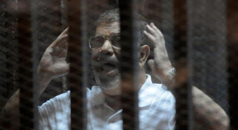 """مصر.. الحكم على مرسي و14 متهماً بقضية """"أحداث الاتحادية"""" 21 أبريل"""