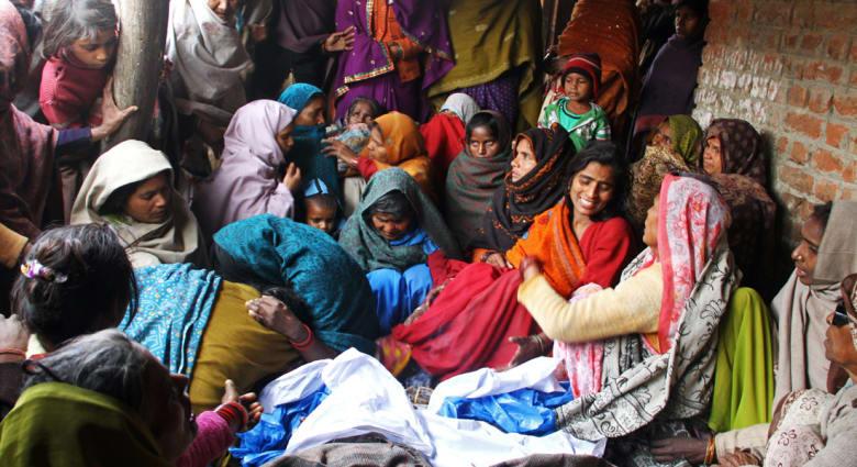 الكحول السامة تحصد أرواح 95 شخصا في الهند وموزمبيق وتدخل المئات للمستشفى.. فما هو الرابط؟