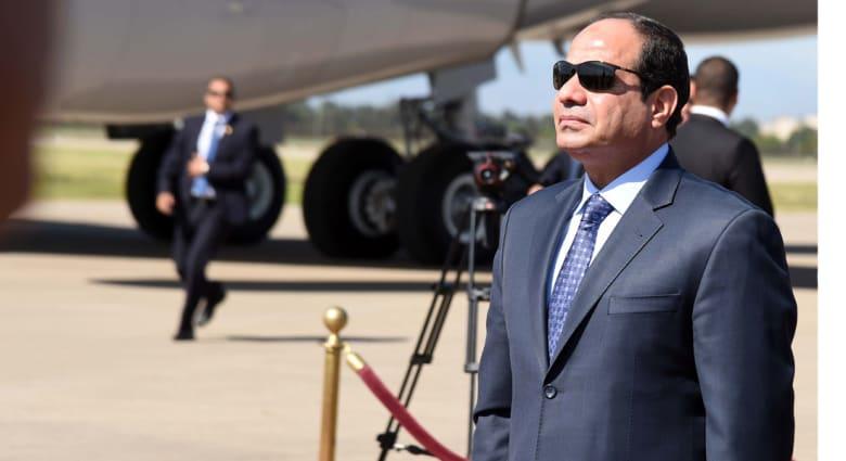 السيسي في أبو ظبي .. مراسم الاستقبال الأحد.. وروايتان حول من الذي استقبله؟