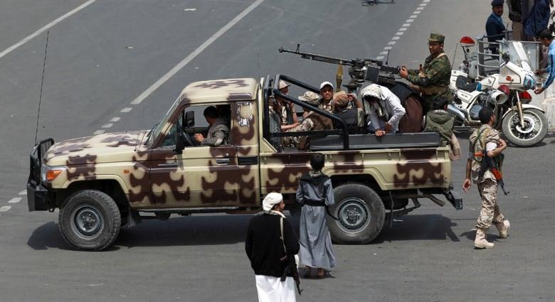 اليمن منشغل بحقيقة التسريبات بين الحوثيين وصالح.. ومسؤول بمأرب: حديث الحوثي عن القاعدة بالمحافظة كذب