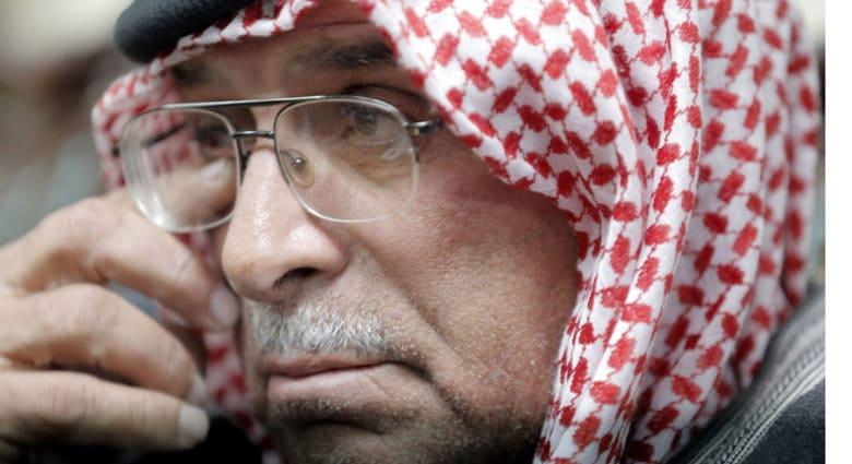 """والد الكساسبة لـ """"داعش"""": أناشدكم بالله وبرسوله وبالمؤمنين أن تعفوا عن ابننا وهي من شيم المسلمين"""