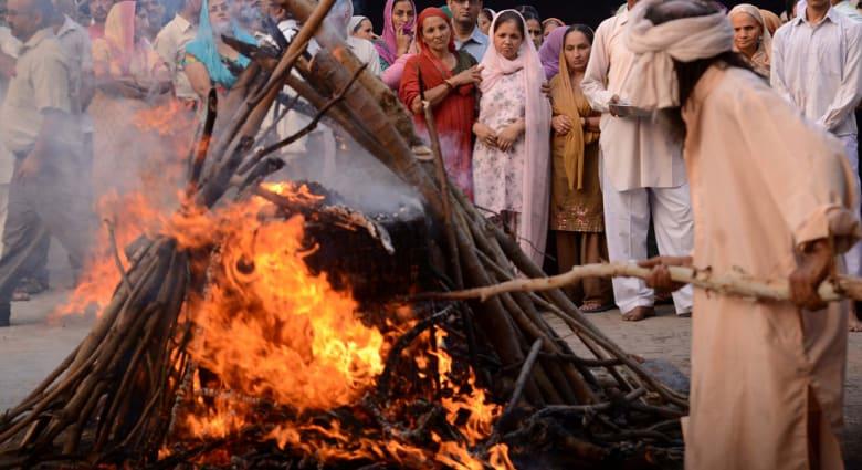 اكتشاف عشرات الرفات البشرية بالصدفة داخل مخفر للشرطة في الهند