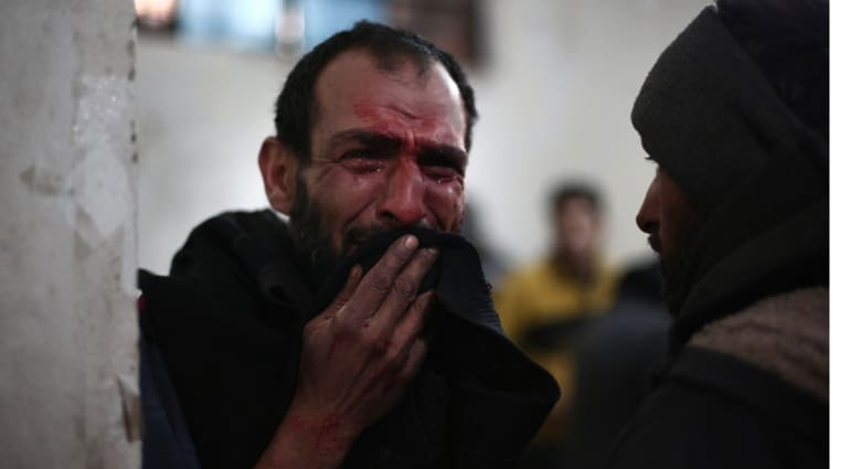 """""""جيش الإسلام"""" يطلق 120 صاروخا على دمشق ومقتل 180 في غارات طيران النظام على الغوطة"""
