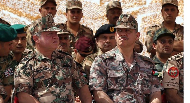 """الأردن يواصل قصف """"داعش"""" ويتوعد المعتدي بالموت والهلاك والإمارات تسانده بسرب F16"""