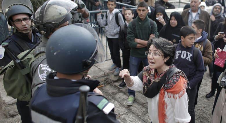 """قرار إسرائيلي يحظر ترشح حنين زعبي بانتخابات الكنيست.. ليبرمان: مكانها مع """"الإرهابيين"""" في غزة"""