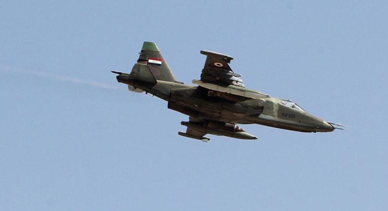 """بالفيديو.. سلاح الجو العراقي يقتل عشرات من قادة """"داعش"""" في غارة بالقائم"""
