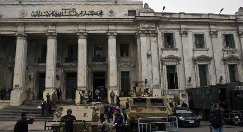 """محكمة مصرية تقضي بسجن 96 أجنبياً بينهم فتيات آسيويات بقضية """"شبكة الاتصالات الدولية"""""""