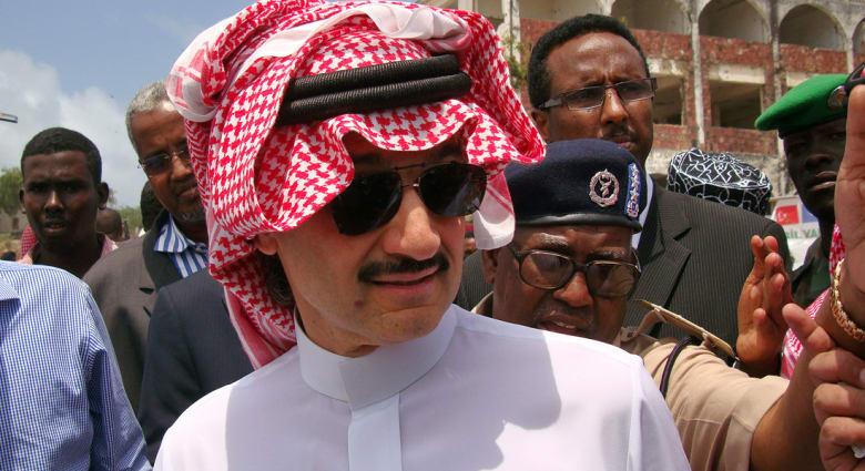 الوليد بن طلال يقدم نصف مليون ريال للقنصل عبدالله الخالدي