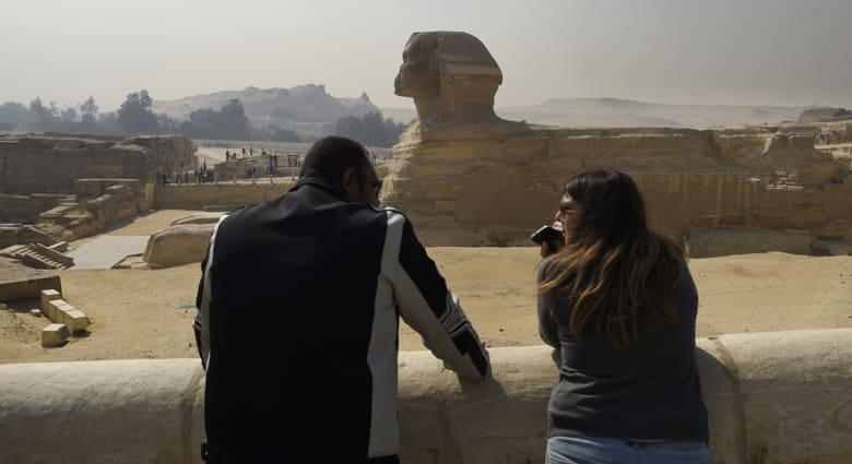 """فيلم """"الأهرامات"""" الإباحي يثير ضجة على مواقع التواصل في مصر"""
