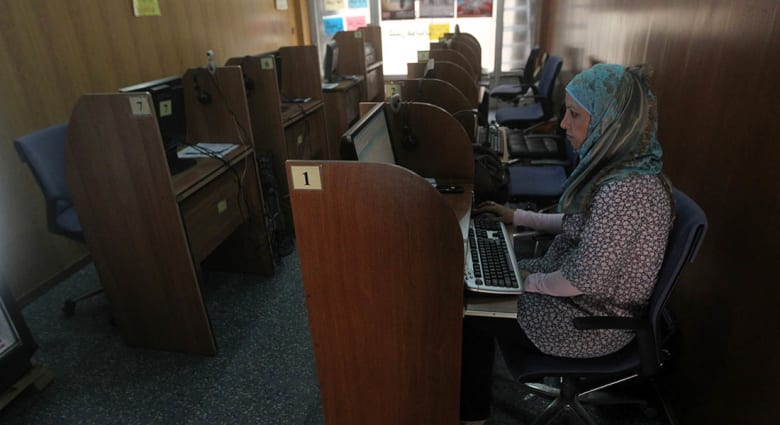 هل ينافس التحرش الجنسي الالكتروني التحرش الجنسي المباشر بين المتحرش والضحية؟