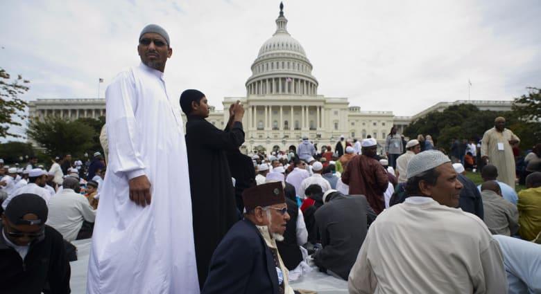 """باحث: أمريكا وكندا تفوتان فرص التمويل الإسلامي بسبب ضعف القوانين ورغبة البنوك و""""الإسلاموفوبيا"""""""