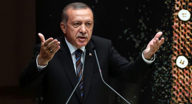 """أردوغان يهاجم الغرب بعد تحول البحر المتوسط إلى """"مقبرة للسوريين"""": داعش والأسد رأسان لكماشة واحدة"""