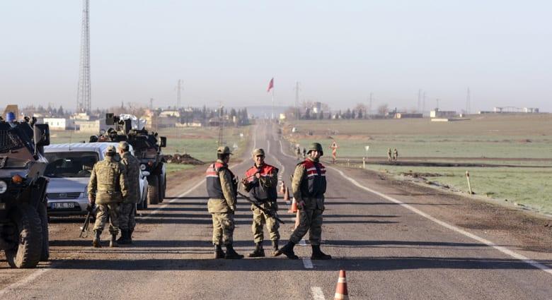 الشرطة التركية تسلم بريطانيا 3 مراهقين اعتقلتهم قبل دخولهم إلى سوريا