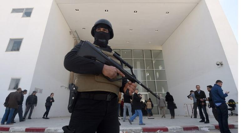 """قاض تونسي يمنع بث شهادات حول """"هجوم المتحف"""" في برنامج """"لا باس"""" التلفزيوني"""