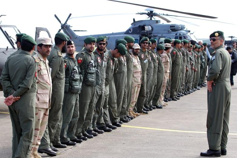 ضابط بحري سعودي يكشف عملية خداع إلكتروني للسفن الحربية الإيرانية سمحت بإجلاء دبلوماسيين من عدن