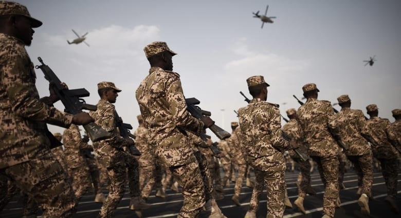 قيادي حوثي لـCNN: الحلف العربي بقيادة السعودية يبدأ لأول مرة الاثنين بشن غارات نهارية
