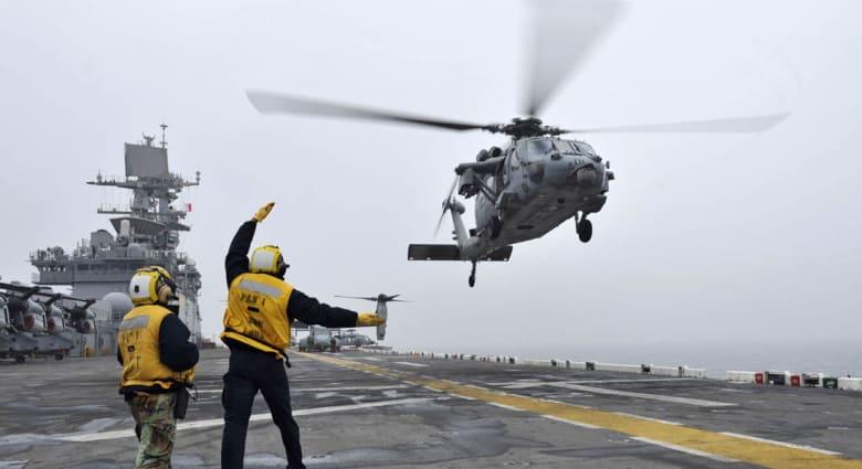 حصريا على CNN: احتكاك بين مروحية أمريكية وطائرة إيرانية بالخليج خلال مراقبة لتهريب السلاح للحوثيين