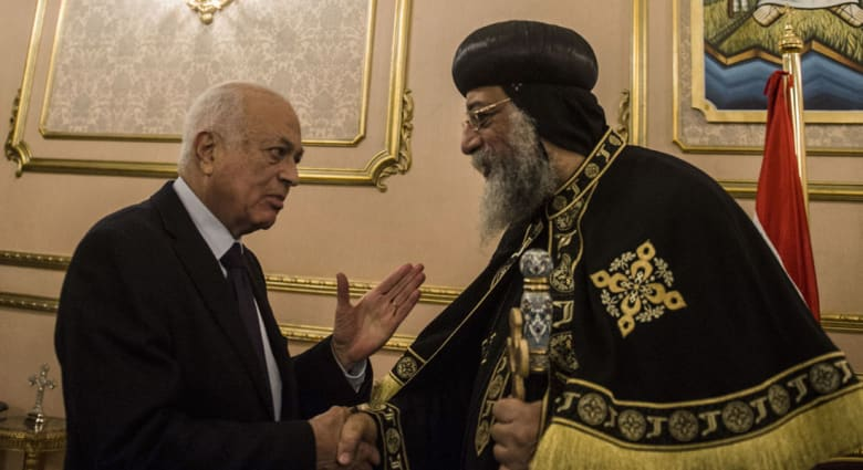 """العربي يأسف لغضب أقباط مصر حول إشارته لـ""""تعدد الأناجيل"""" وجبرائيل لـCNN: تصريحات عنصرية بحديثه عن السنة والشيعة"""