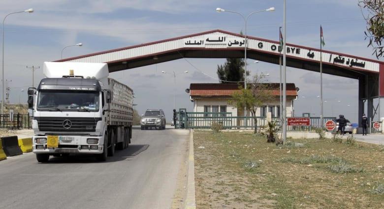"""الأردن يترقب الوضع الأمني على الحدود و""""نهب"""" المنطقة الحرة المشتركة مع سوريا"""