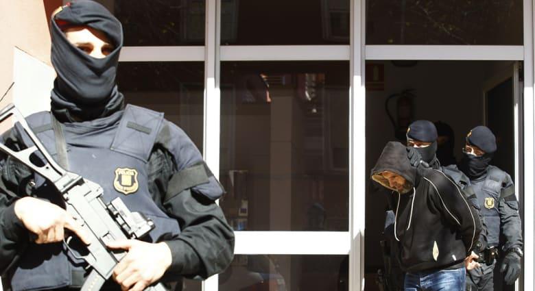 إسبانيا: اعتقال مغاربة ضمن 11 شخصا للاشتباه بصلتهم بخلية متعاونة مع داعش