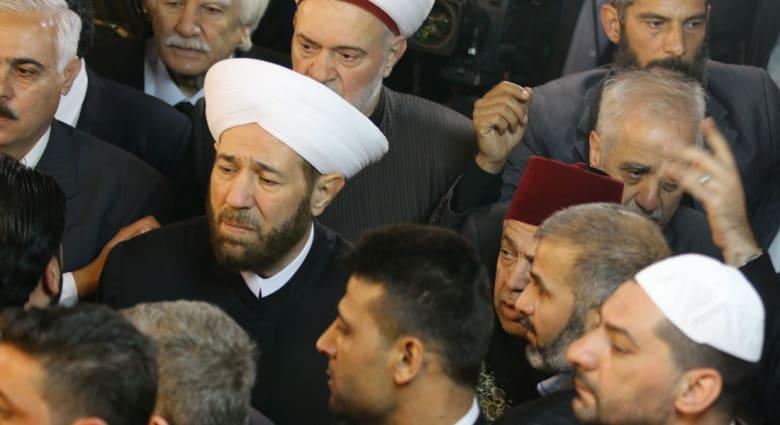 """غارات جوية مدمرة في حلب والمعارضون يتهمون المفتي حسون بإباحة """"إبادة"""" مناطقهم"""