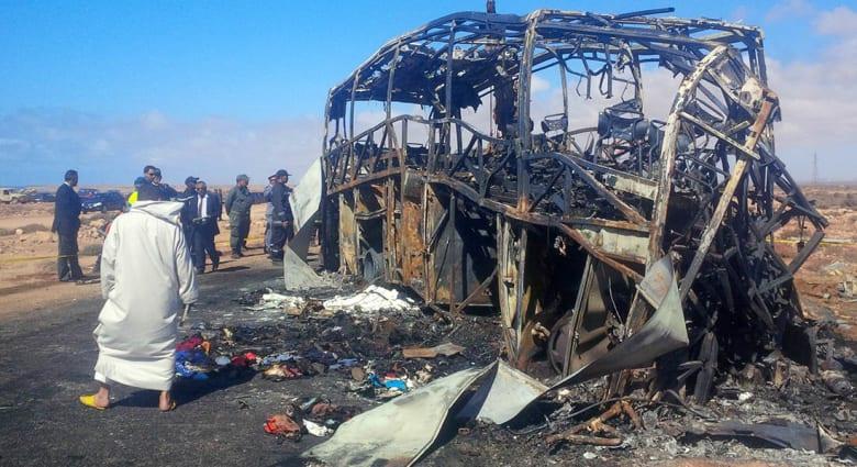 مغاربة يطالبون بحداد وطني حزنًا على ضحايا حادثة سير خلّفت مصرع 33 شخصًا