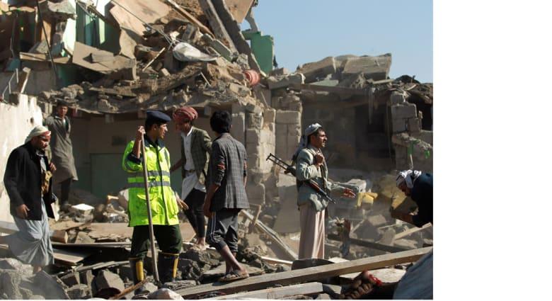 """هيومان رايتس تدعو واشنطن والدول المشاركة في """"عاصفة الحزم"""" للتحقيق بمقتل 31 مدنيا بمصنع للألبان"""