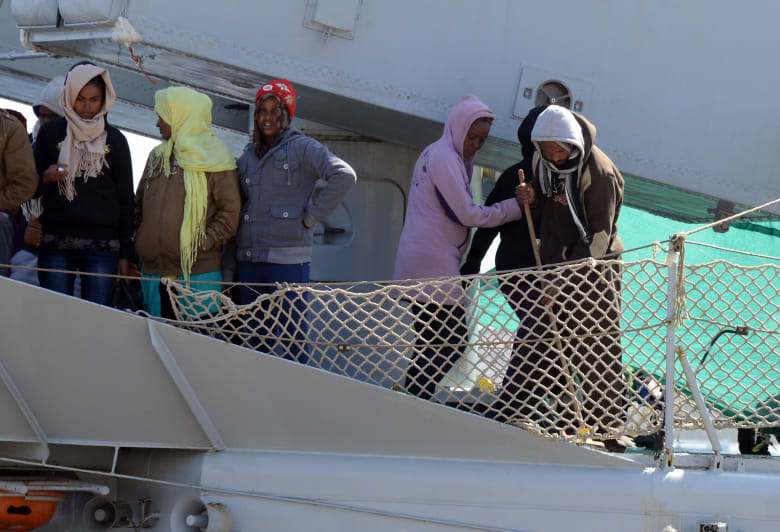 عملية بحث واسعة لقوات مالطا وإيطاليا بعد انقلاب مركب يقل 650 لاجئا قبالة سواحل ليبيا