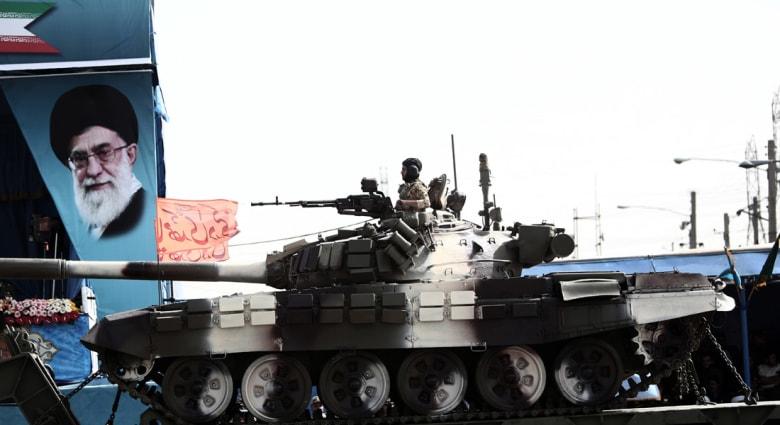 """قائد قوات البر الإيرانية: الجيش السعودي """"هش"""" والحوثيون سيباشرون توجيه ضربات إلى السعودية"""
