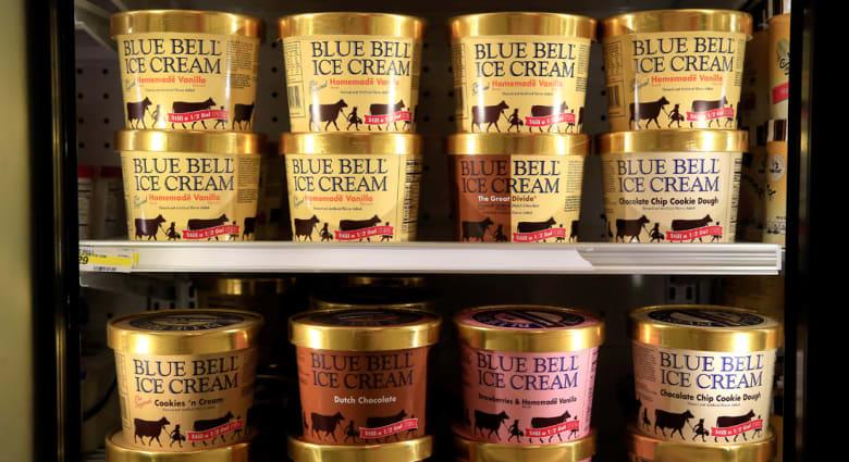 """""""بلو بل"""" تسحب جميع منتجاتها من """"الآيس كريم"""" لمخاوف من تلوثها ببكتيريا قاتلة"""