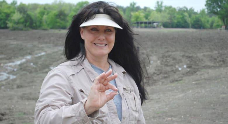 سيدة تعثر على ماسة تزن 3.69 قيراطا في حديقة عامة