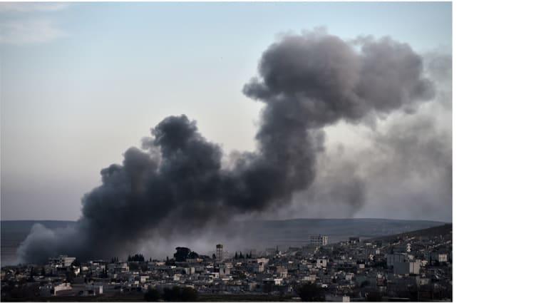 """المرصد السوري: مقتل 52 مدنيا في """"مجزرة"""" ارتكبها """"طيران التحالف"""" بريف حلب"""