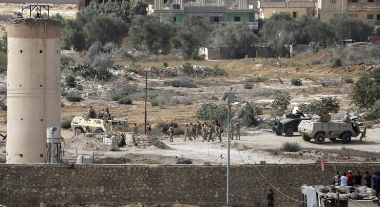 """مصر.. انفجار يستهدف قوة أمنية بشمال سيناء يوقع 4 جرحى والجيش يؤكد مقتل 29 """"إرهابياً"""""""